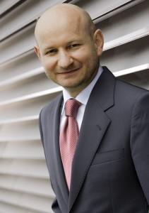 prof. dr hab. Jarosław Majewski